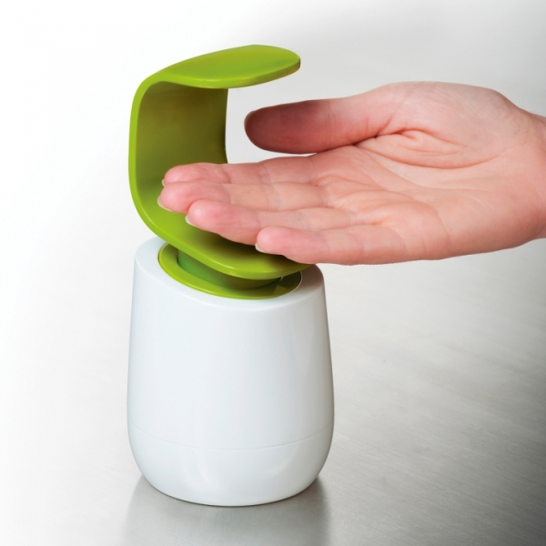 ll_2__0013s_0000_C-Pump - Soap Dispenser - Hand.jpg