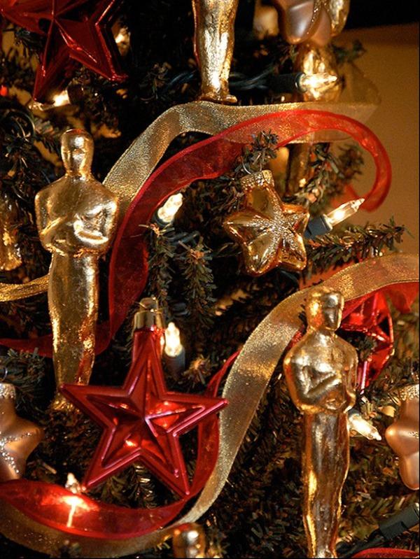 RMS_jaginator-Oscar-Themed-Christmas-Tree_s3x4_lg