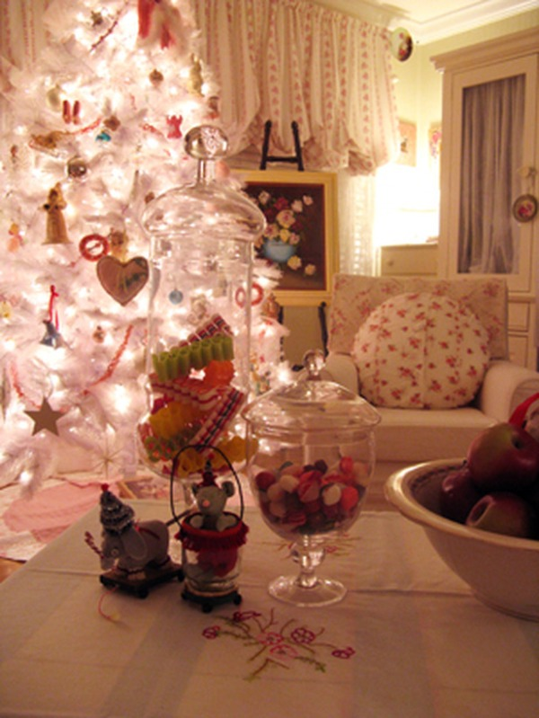 RMS_rosevinecottage-white-christmas-tree_s3x4_lg