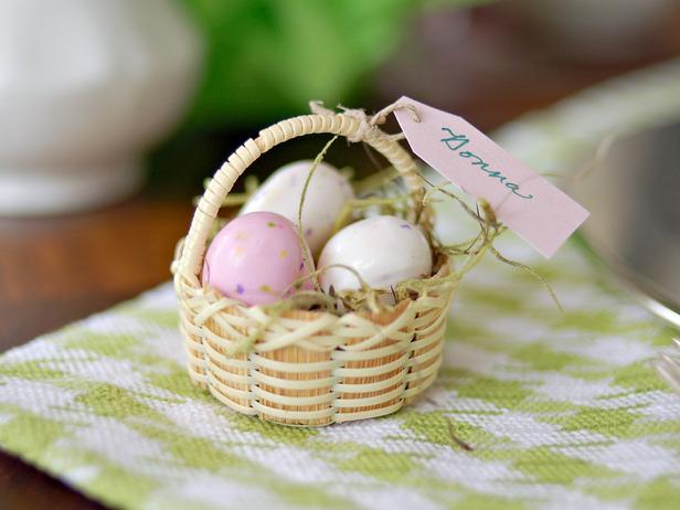 Original_Marian-Parsons-spring-table-setting-egg-basket_s4x3_lg