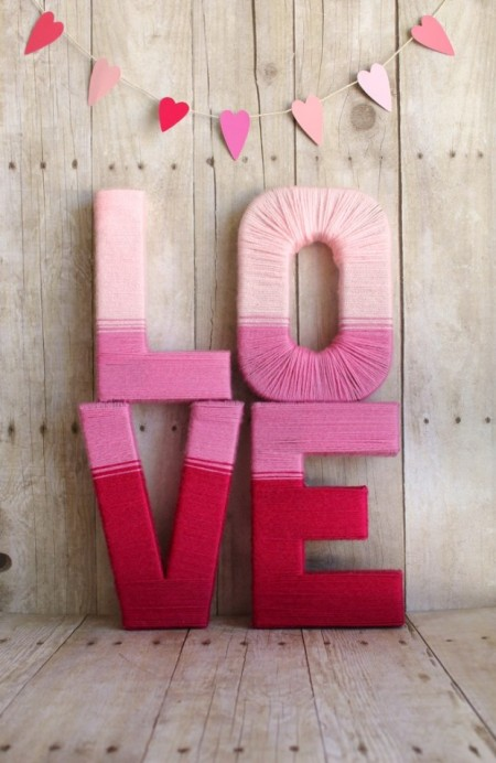 accessories-furniture-decorations-romantic-valentine-window-decoration-with-colorful-lettering-love-decor-feat-kitting-yarn-material-combine-heart-pattern-cutting-paper-and-yarn-to-hanging-desi