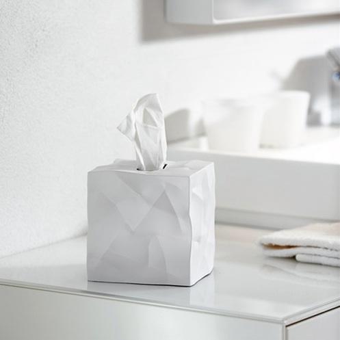 Crinkle tissue dispenser