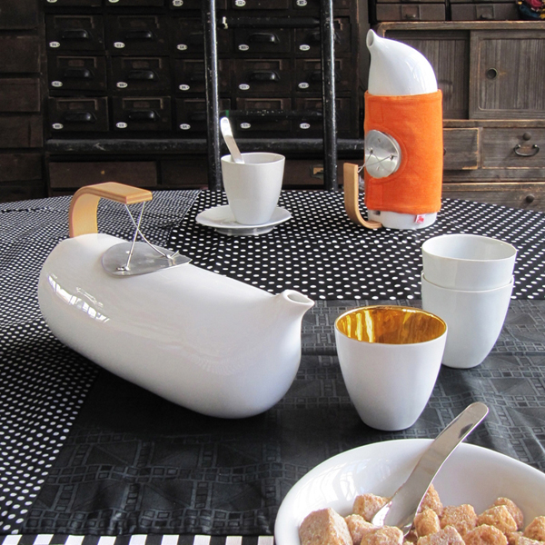 Mirza Teapot by Tse Tse